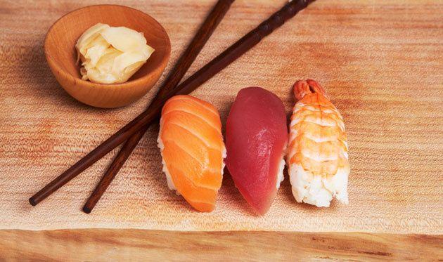 12 - El nigiri se come de un bocado