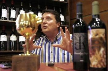 La revolución de los vinos españoles es equiparable a la gastronómica, según la Nariz de Oro 2007