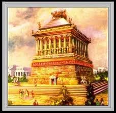 (13) 201 - Mausoleo de Halicarnaso - Maravilla del mundo antiguo - El Mausoleo de Halicarnaso o el Sepulcro de Mausoleion fue una tumba construida entre el año 353 y el 350 a. C.1 en Halicarnaso (actualmente Bodrum, Turquía) para Mausolo, un sátrapa en el imperio persa. La estructura fue comisionada por su esposa y hermana, Artemisia II de Caria, al arquitecto griego Sátiro de Paros y Piteo.