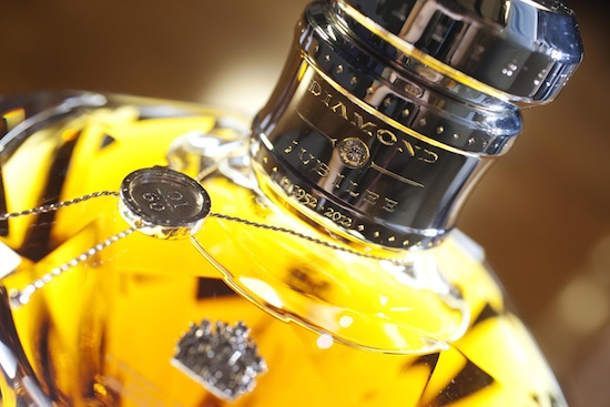 Johnnie Walker detalle botella Baccarat