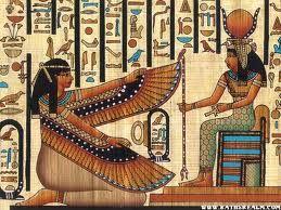 """(7) 100 – Plutarco escribe una voluminosa obra """"de iside et osiri de"""" sobre los dioses egipcios, Isis y Osiris, estos textos nos revelan parte de la historia de Egipto, por intermedio de sus leyendas."""
